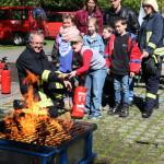 Auch Feuerlöschen wurde da aktiv geübt.